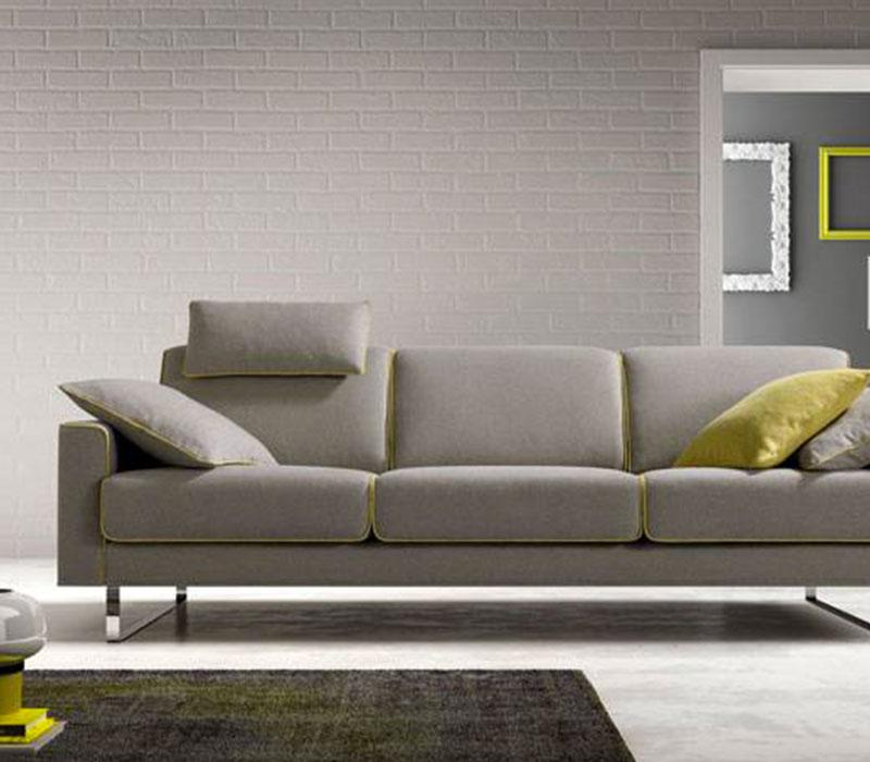 Arredamento salotti divani e poltrone salone del mobile for Poltrone minimal
